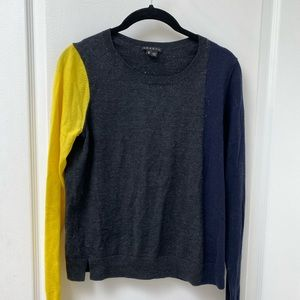 Multi color theory sweater. Size M, barely worn